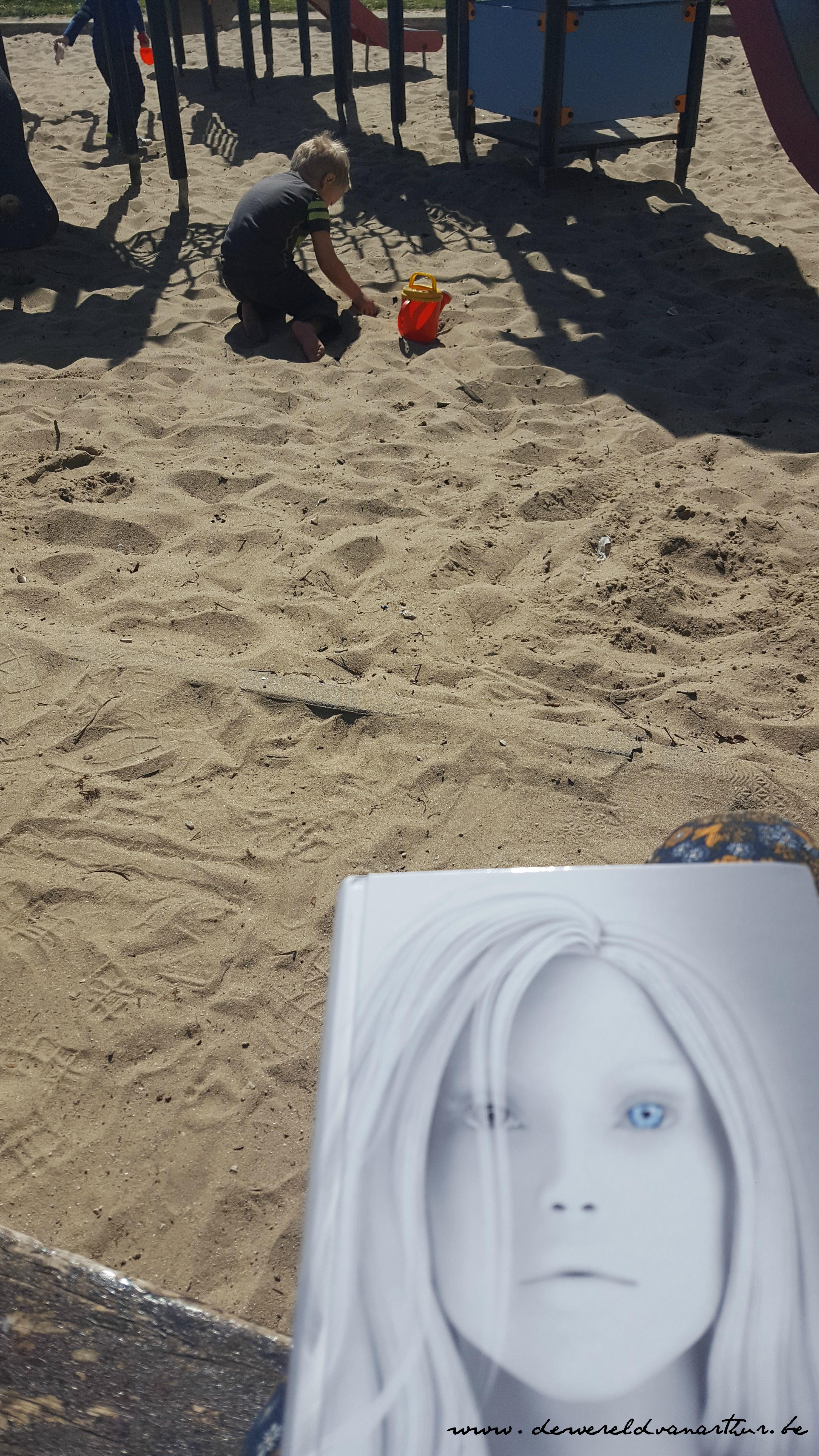 arthur en de zandbak en ik en mijn boek dewereldvanarthur.be